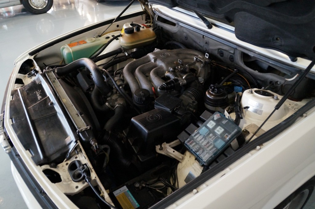 Buy this BMW 5-SERIE 1987  at Legendary Classics (38)