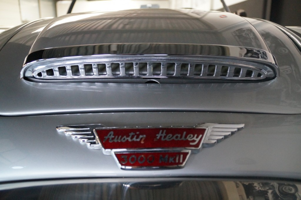 Buy this AUSTIN HEALEY 3000 1961  at Legendary Classics (15)
