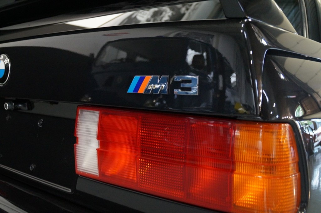 Buy this BMW M3 1987  at Legendary Classics (11)