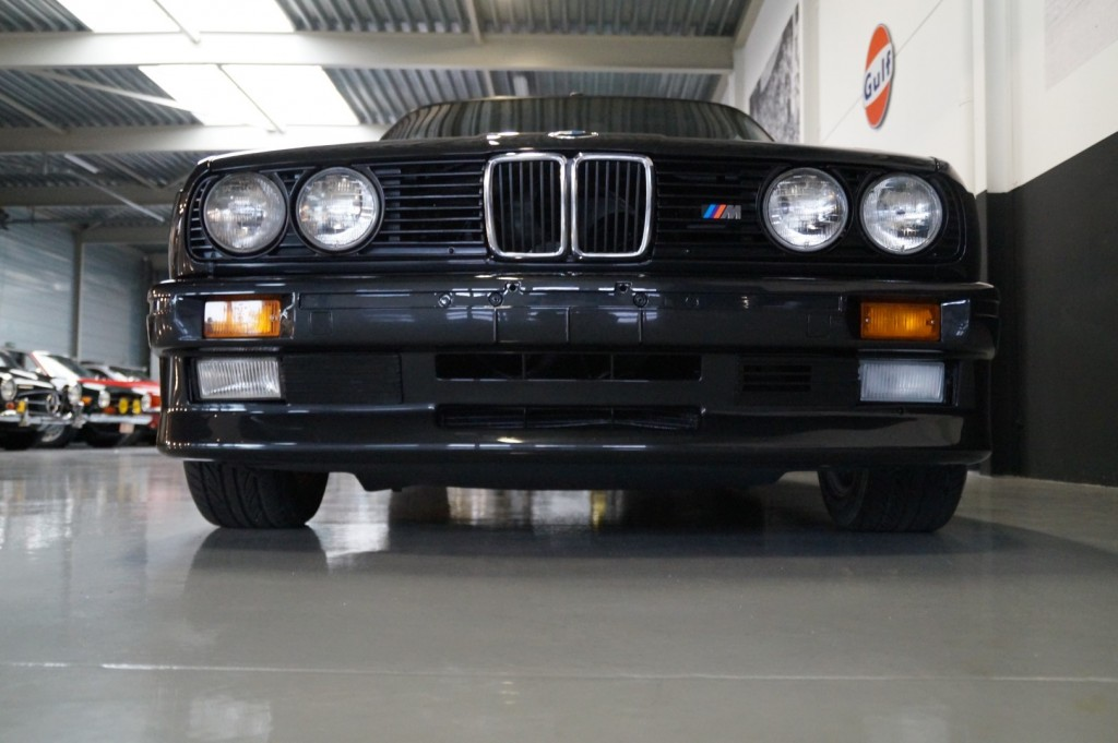 Buy this BMW M3 1987  at Legendary Classics (14)