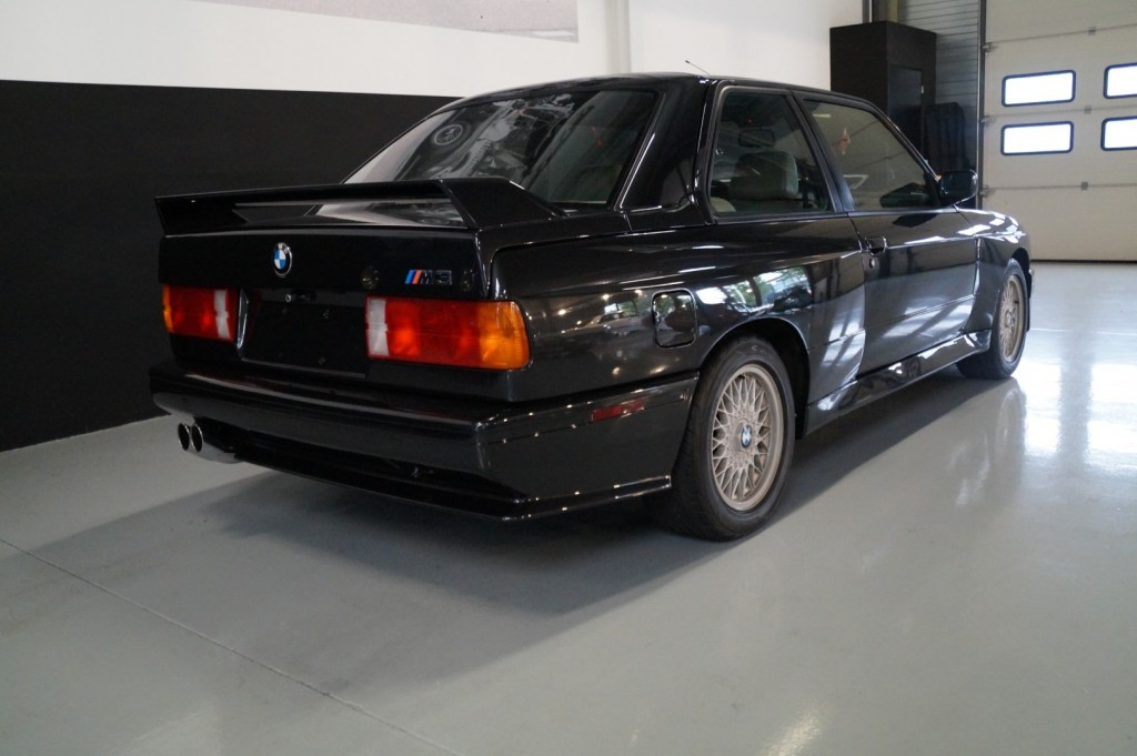 Buy this BMW M3 1987  at Legendary Classics (18)