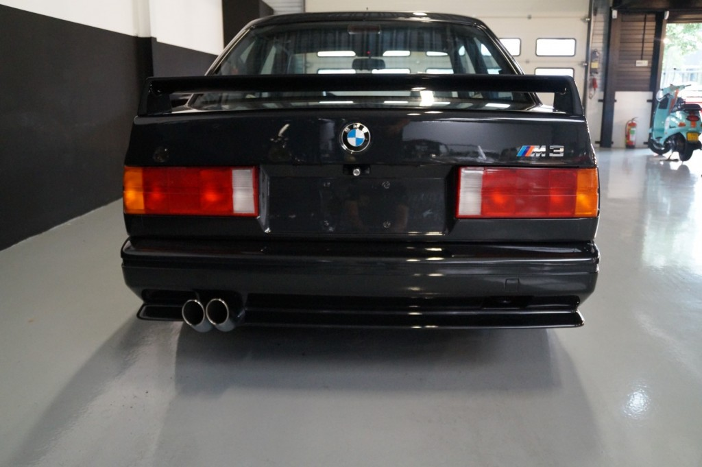 Buy this BMW M3 1987  at Legendary Classics (20)