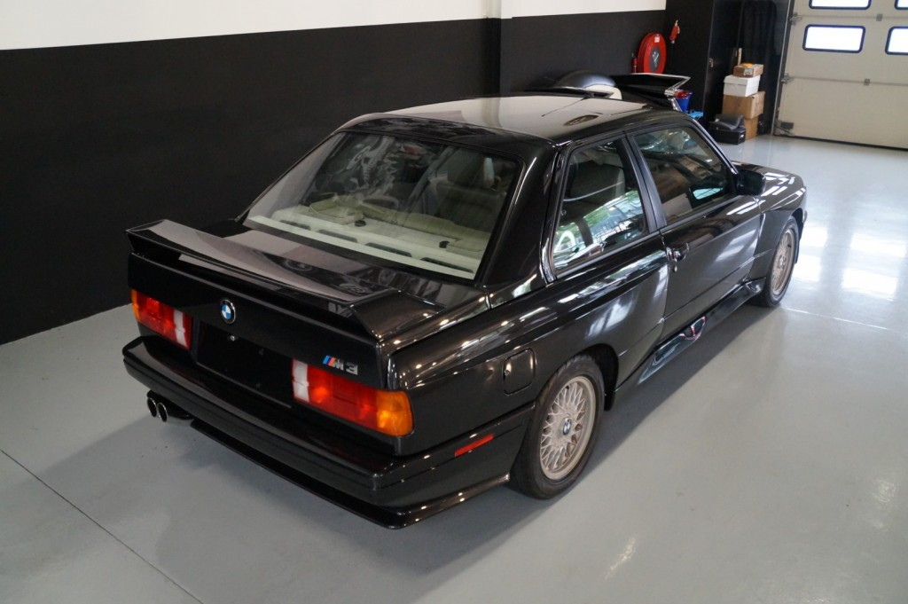 Buy this BMW M3 1987  at Legendary Classics (4)