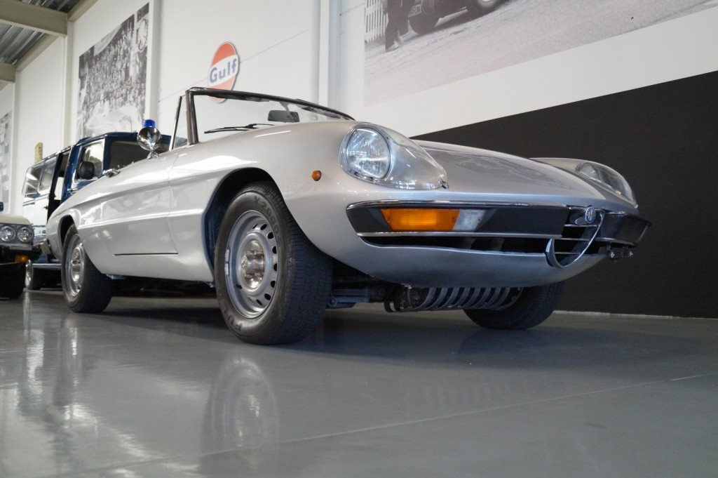 Buy this ALFA ROMEO SPIDER 1979  at Legendary Classics (2)