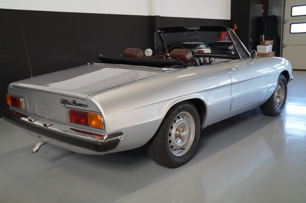 Buy this ALFA ROMEO SPIDER 1979  at Legendary Classics (19)