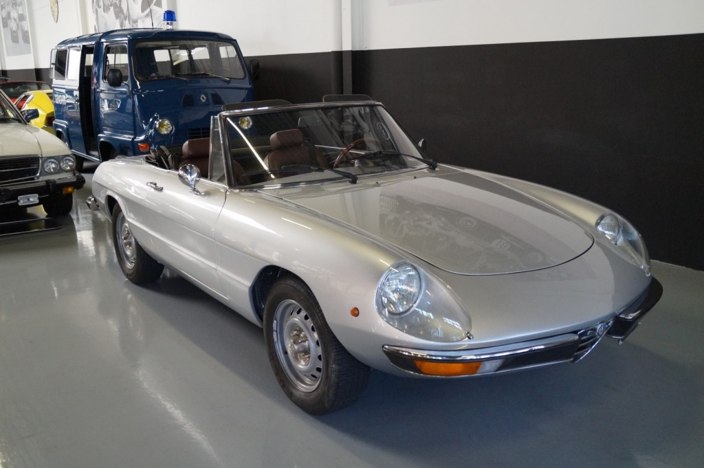 Buy this ALFA ROMEO SPIDER 1979  at Legendary Classics (3)