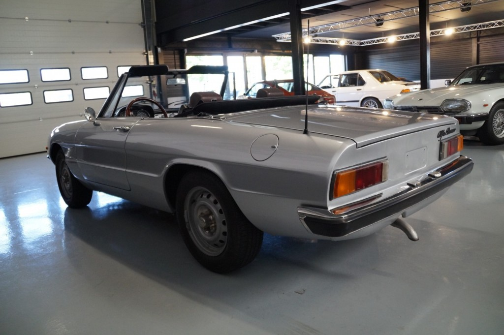 Buy this ALFA ROMEO SPIDER 1979  at Legendary Classics (24)