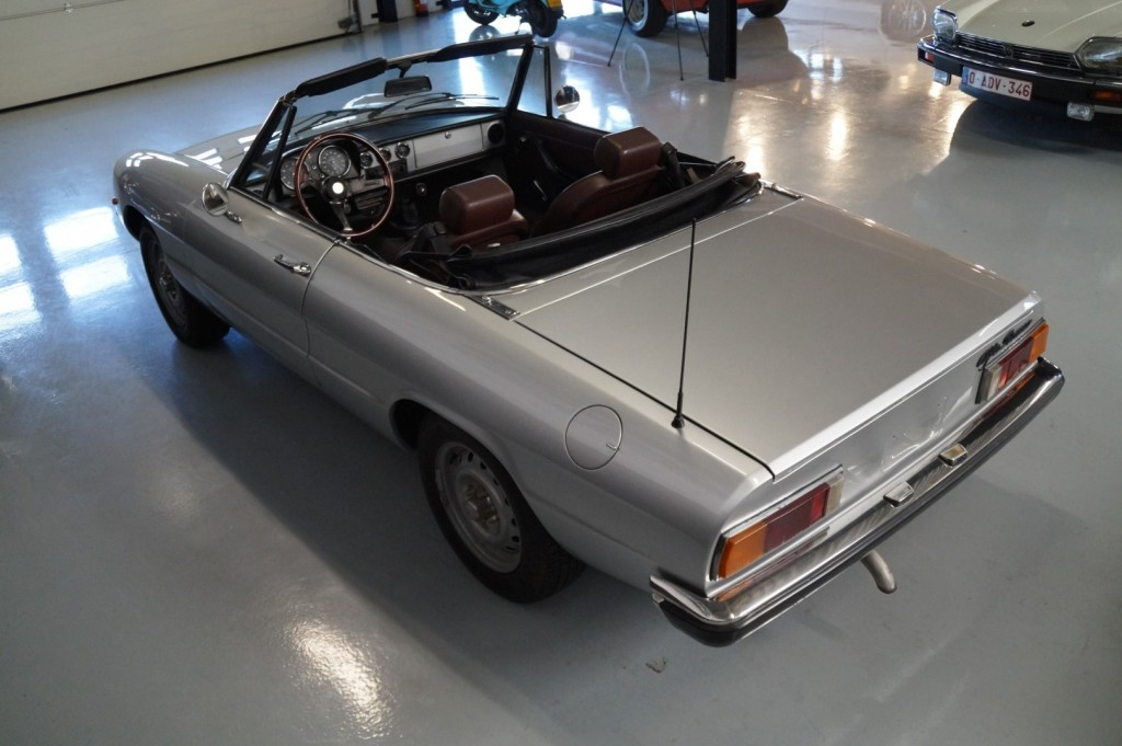 Buy this ALFA ROMEO SPIDER 1979  at Legendary Classics (25)
