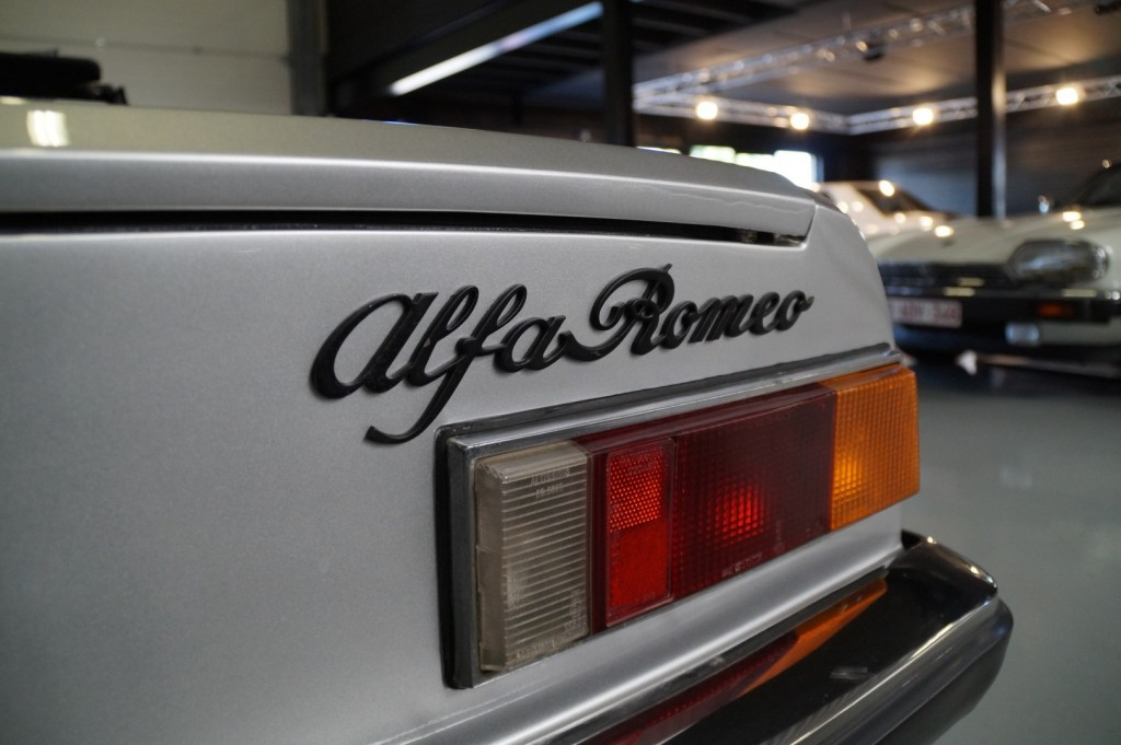 Buy this ALFA ROMEO SPIDER 1979  at Legendary Classics (43)