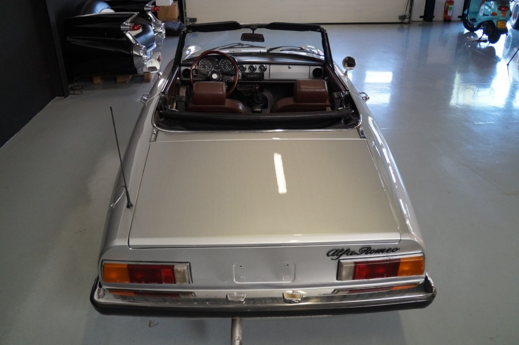 Buy this ALFA ROMEO SPIDER 1979  at Legendary Classics (8)