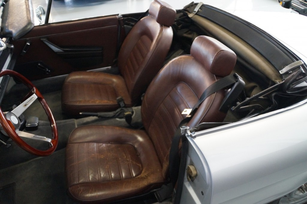 Buy this ALFA ROMEO SPIDER 1979  at Legendary Classics (9)