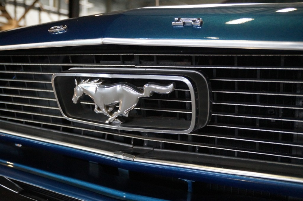Buy this FORD MUSTANG 1966  at Legendary Classics (11)