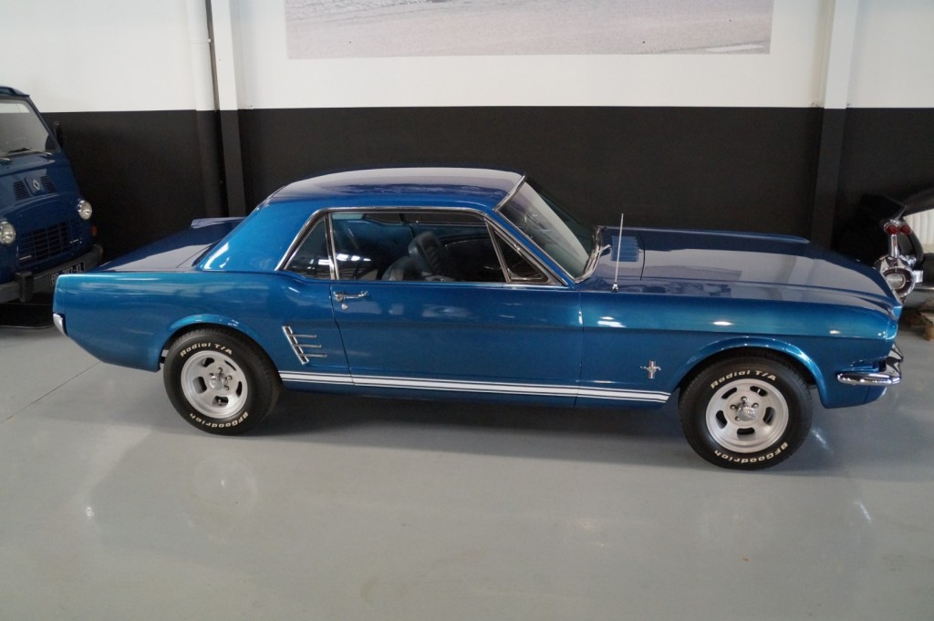 Buy this FORD MUSTANG 1966  at Legendary Classics (20)