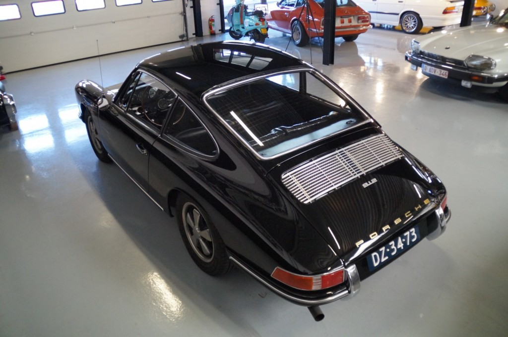 Buy this PORSCHE 912 1967  at Legendary Classics (32)