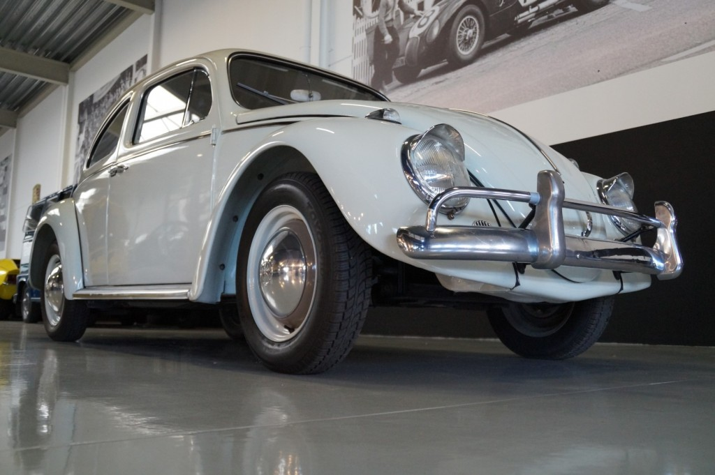 Buy this VOLKSWAGEN BEETLE 1961  at Legendary Classics (15)