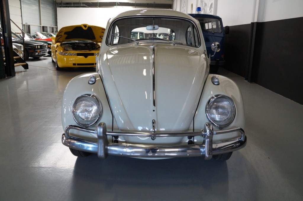 Buy this VOLKSWAGEN BEETLE 1961  at Legendary Classics (17)