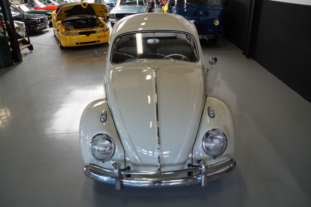 Buy this VOLKSWAGEN BEETLE 1961  at Legendary Classics (18)