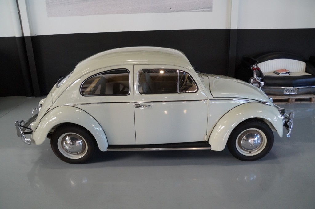 Buy this VOLKSWAGEN BEETLE 1961  at Legendary Classics (20)