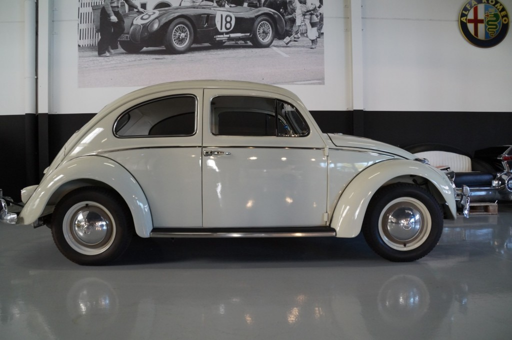 Buy this VOLKSWAGEN BEETLE 1961  at Legendary Classics (3)