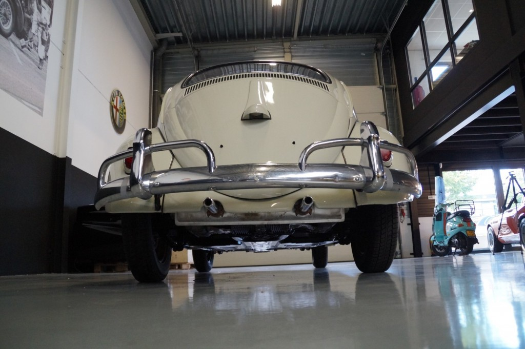 Buy this VOLKSWAGEN BEETLE 1961  at Legendary Classics (23)