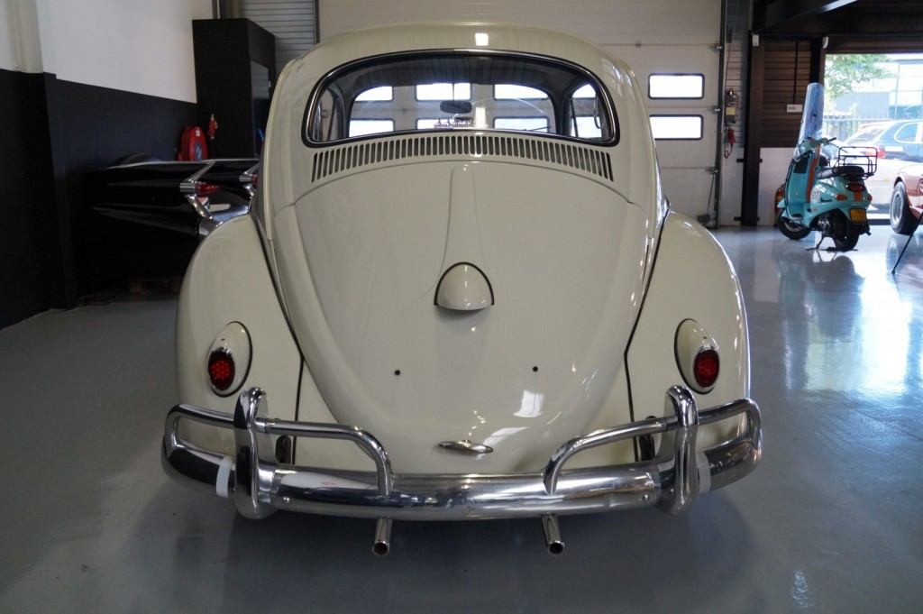 Buy this VOLKSWAGEN BEETLE 1961  at Legendary Classics (24)