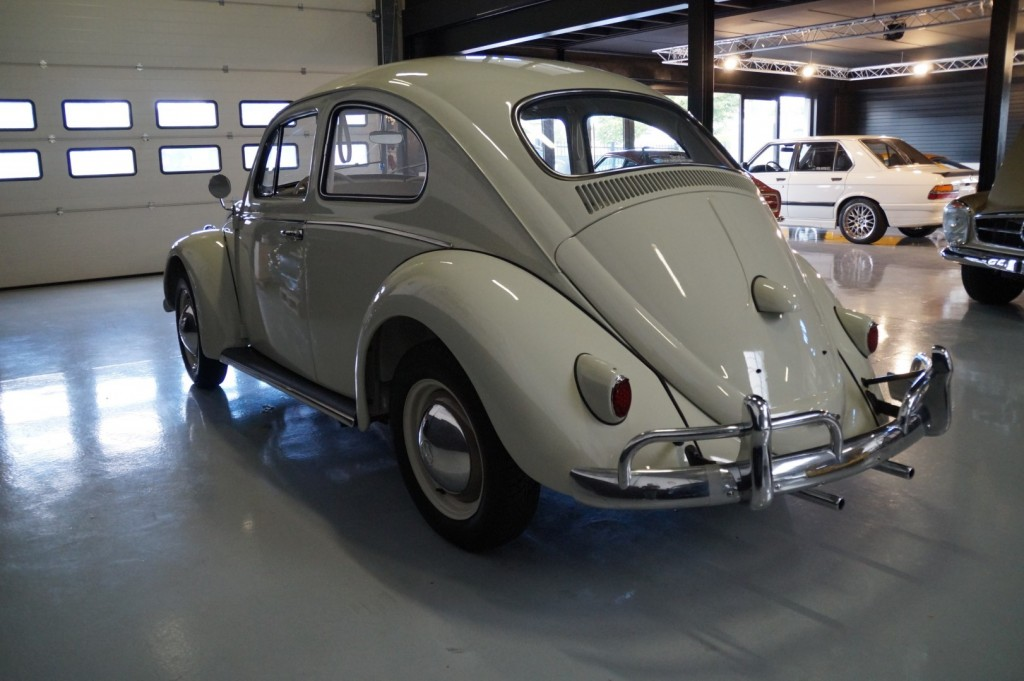 Buy this VOLKSWAGEN BEETLE 1961  at Legendary Classics (27)