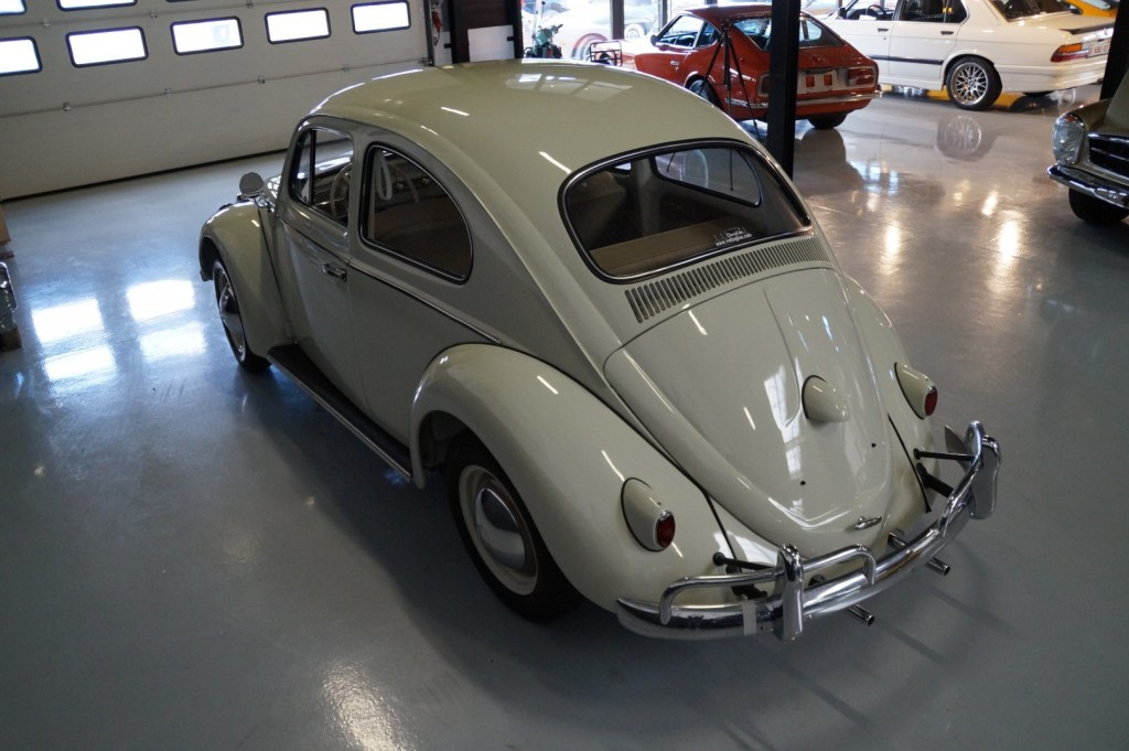 Buy this VOLKSWAGEN BEETLE 1961  at Legendary Classics (28)