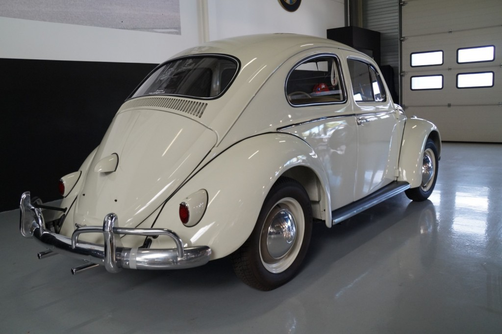 Buy this VOLKSWAGEN BEETLE 1961  at Legendary Classics (4)