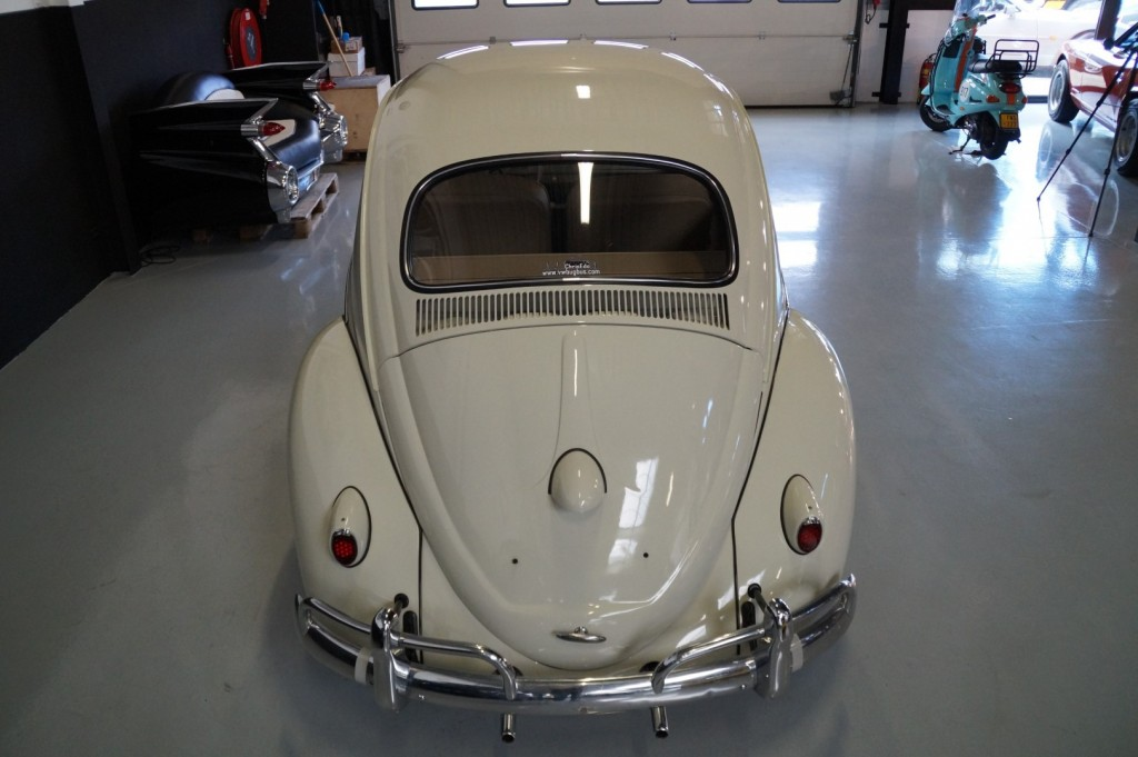 Buy this VOLKSWAGEN BEETLE 1961  at Legendary Classics (5)