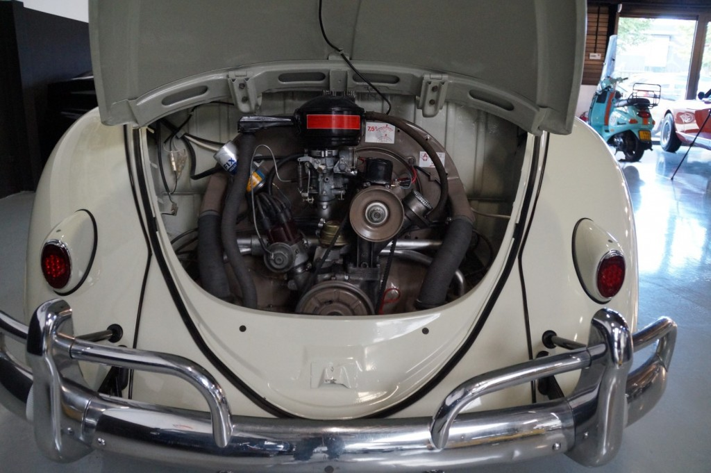 Buy this VOLKSWAGEN BEETLE 1961  at Legendary Classics (8)