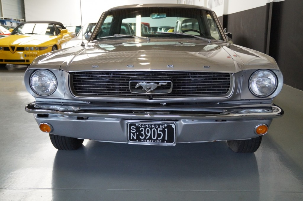 Buy this FORD MUSTANG 1966  at Legendary Classics (17)