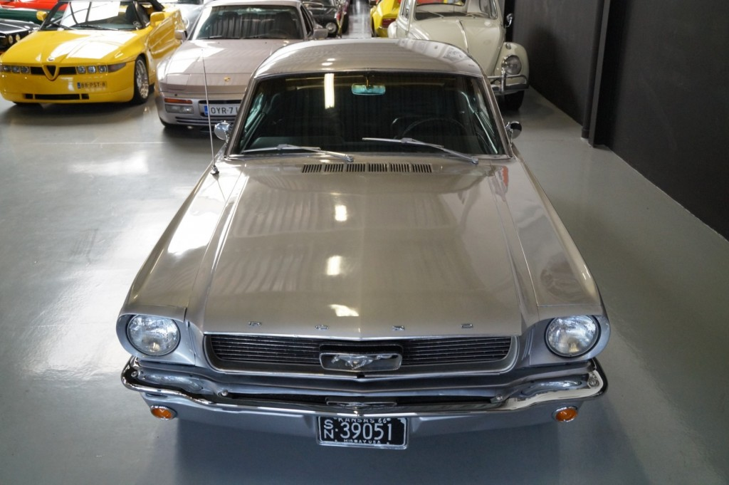 Buy this FORD MUSTANG 1966  at Legendary Classics (18)