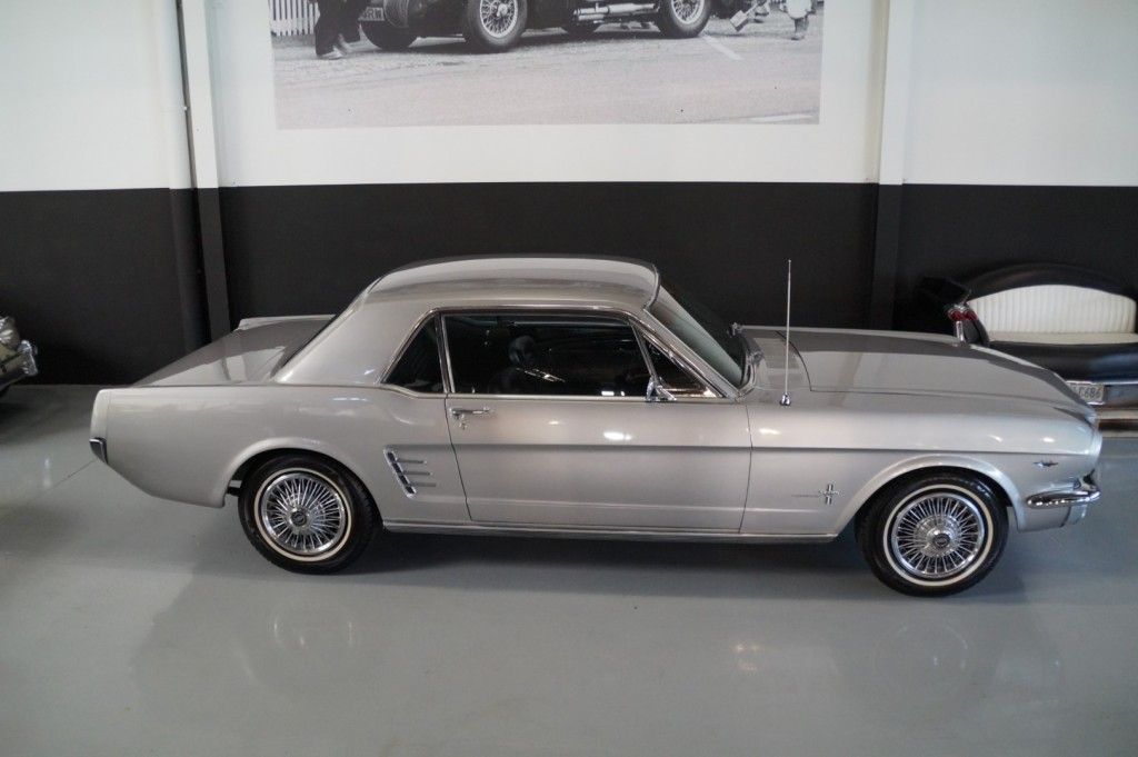 Buy this FORD MUSTANG 1966  at Legendary Classics (19)