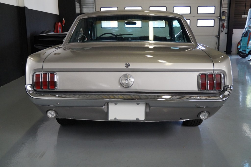 Buy this FORD MUSTANG 1966  at Legendary Classics (23)