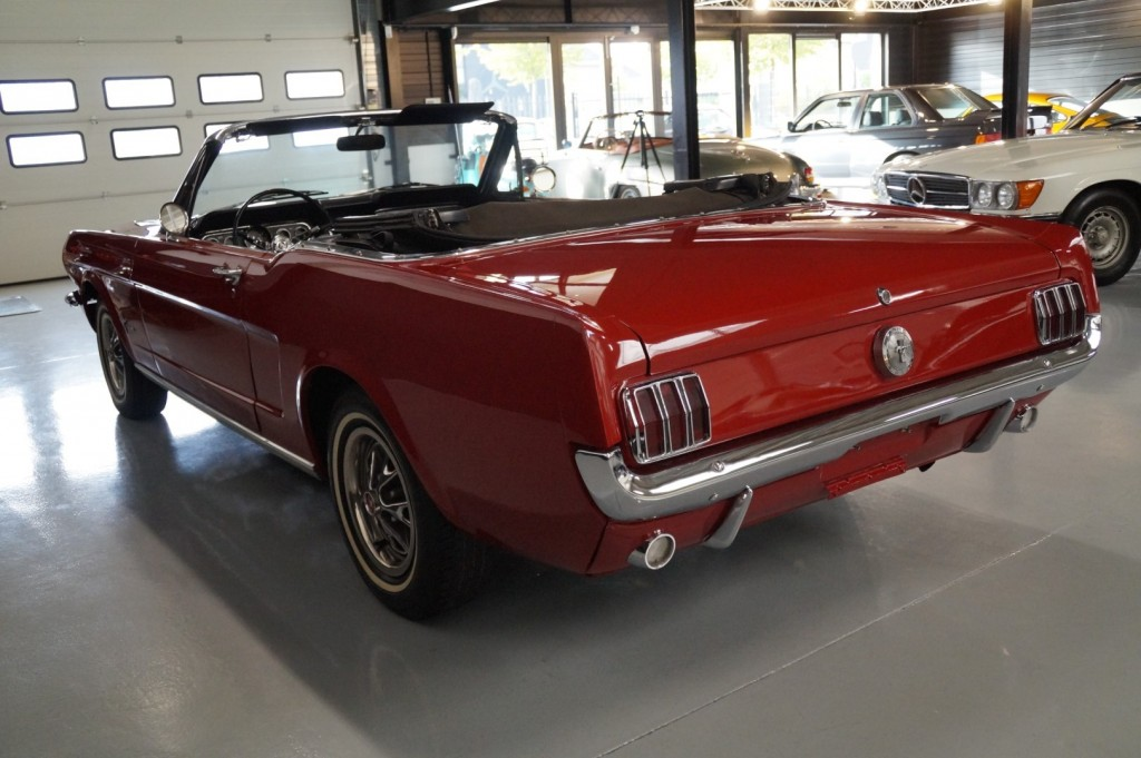Buy this FORD MUSTANG 1966  at Legendary Classics (29)