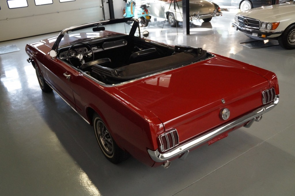 Buy this FORD MUSTANG 1966  at Legendary Classics (30)