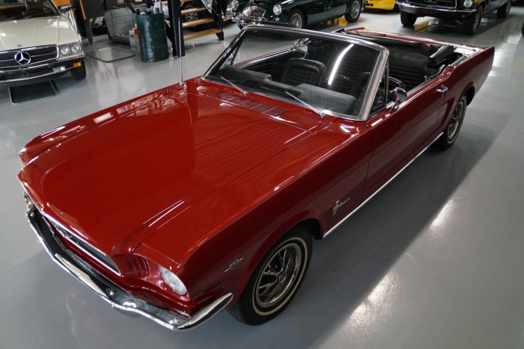 Buy this FORD MUSTANG 1966  at Legendary Classics (32)