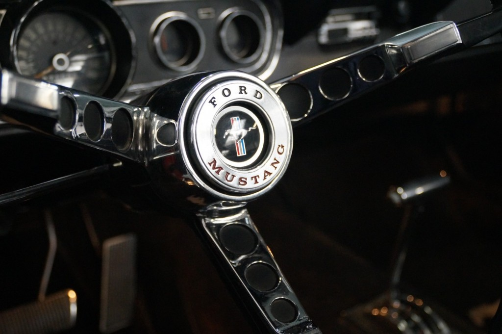 Buy this FORD MUSTANG 1966  at Legendary Classics (34)
