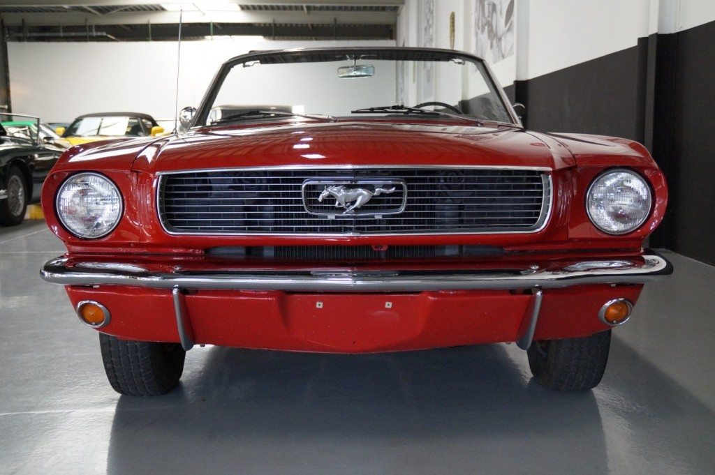 Buy this FORD MUSTANG 1966  at Legendary Classics (38)