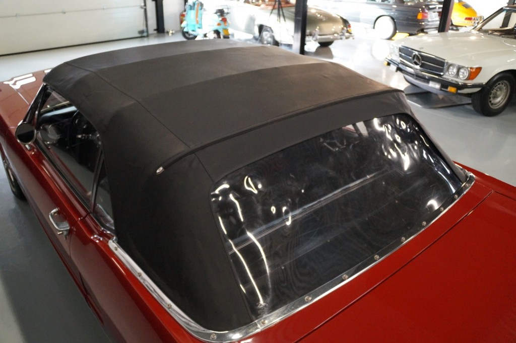 Buy this FORD MUSTANG 1966  at Legendary Classics (57)