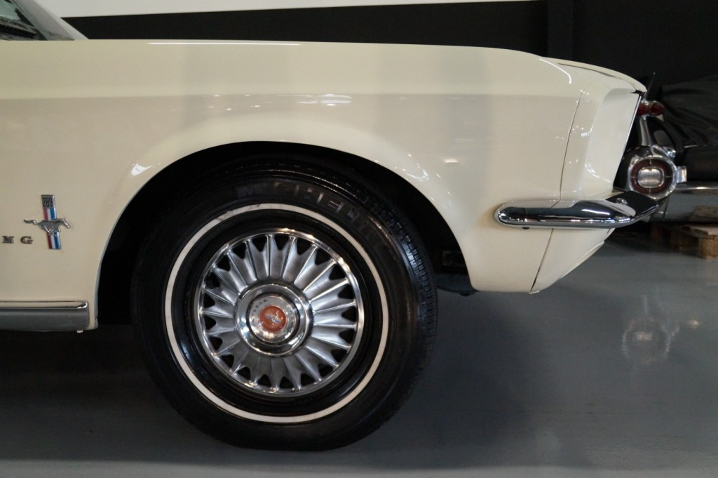 Buy this FORD MUSTANG 1967  at Legendary Classics (11)