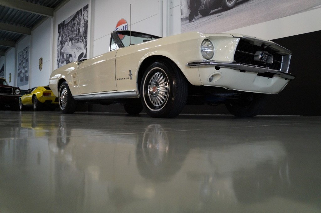 Buy this FORD MUSTANG 1967  at Legendary Classics (19)