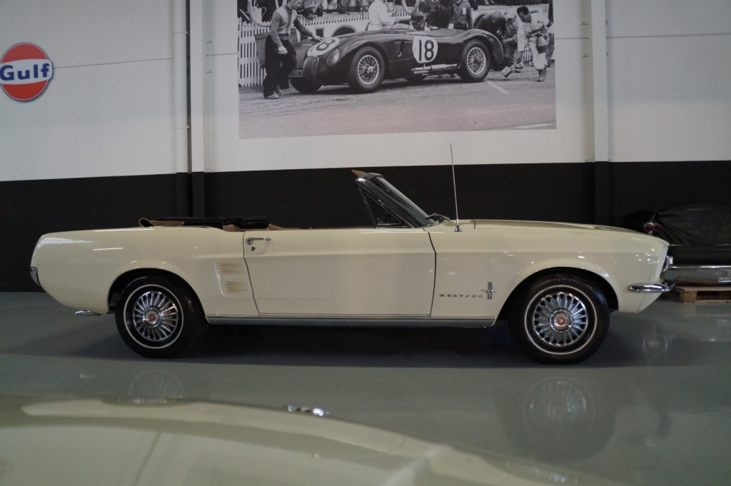 Buy this FORD MUSTANG 1967  at Legendary Classics (3)