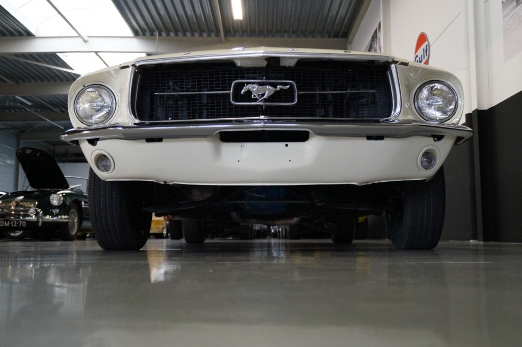 Buy this FORD MUSTANG 1967  at Legendary Classics (21)