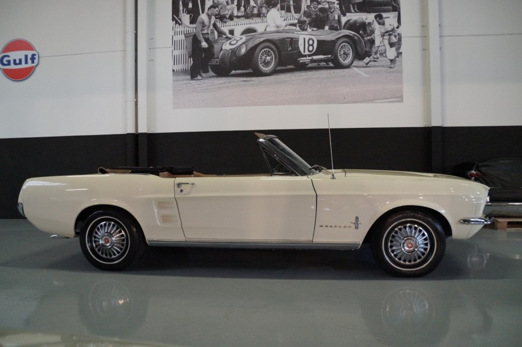 Buy this FORD MUSTANG 1967  at Legendary Classics (25)