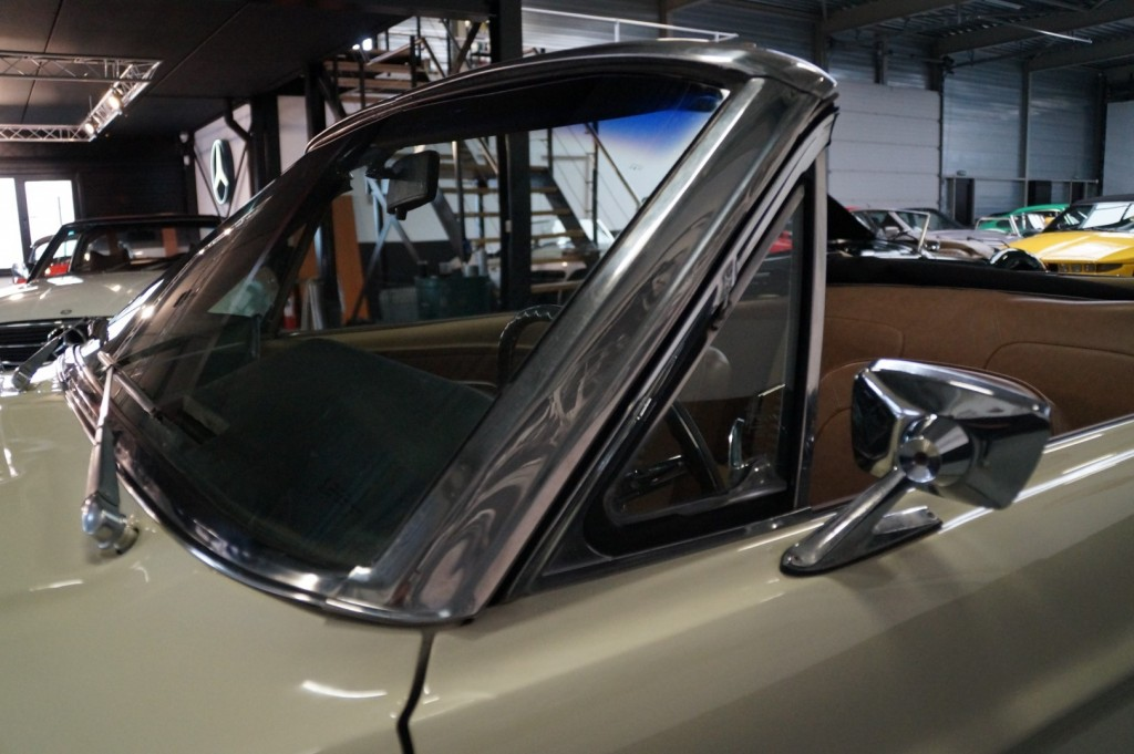 Buy this FORD MUSTANG 1967  at Legendary Classics (42)