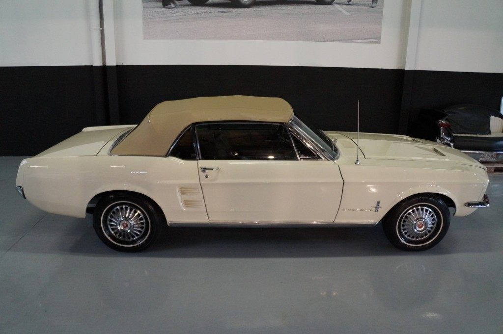 Buy this FORD MUSTANG 1967  at Legendary Classics (54)