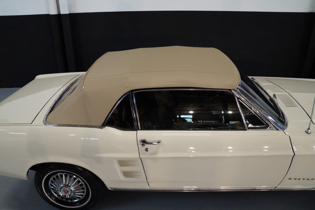 Buy this FORD MUSTANG 1967  at Legendary Classics (55)