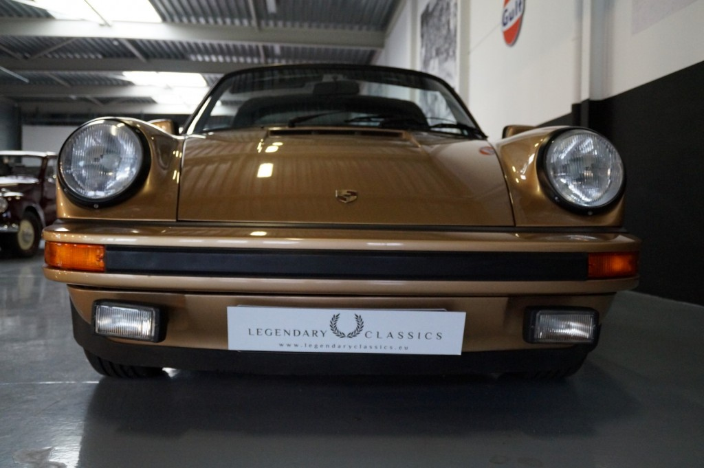 Buy this PORSCHE 911 1980  at Legendary Classics (11)