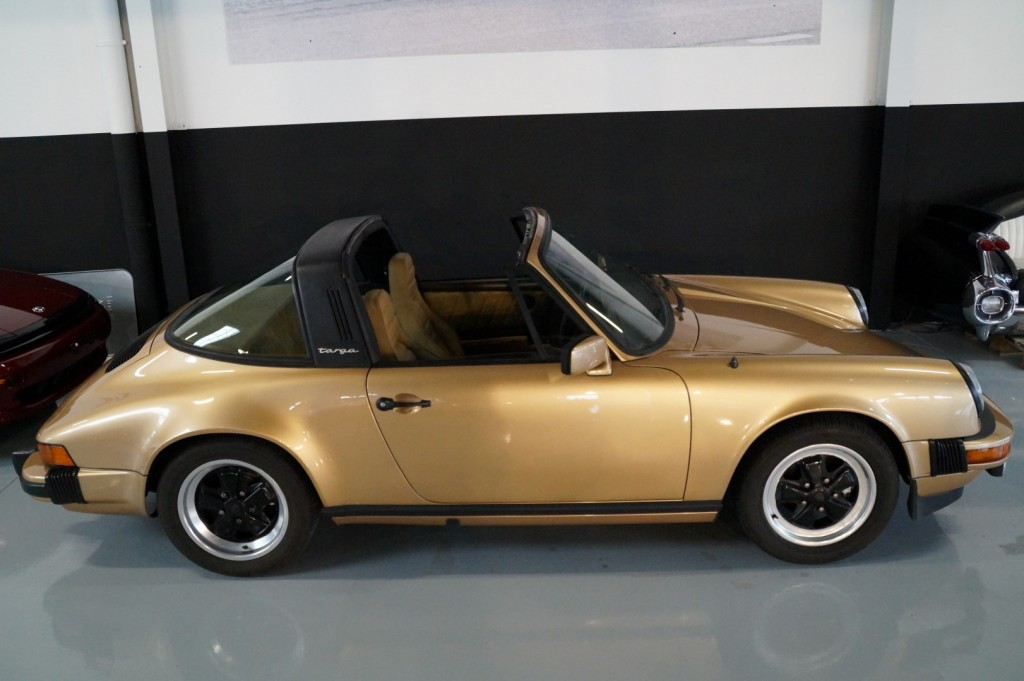 Buy this PORSCHE 911 1980  at Legendary Classics (12)